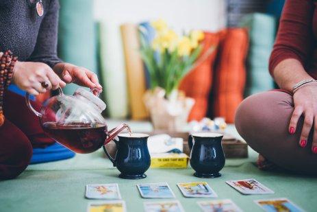 Tea Pour 1